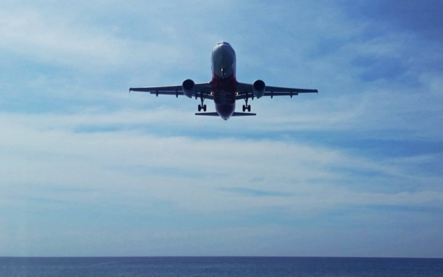 samolot bardzo nisko